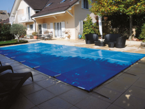 Easy light pool cover in application 2